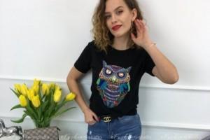 Ponadczasowe t-shirty w sportowych stylizacjach na wiosnę 2019