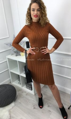 Dzianinowa sukienka w rudym kolorze / Nerine